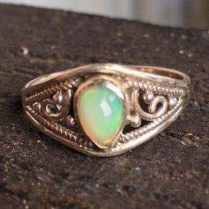 Vintage sterling genuine Ethiopian opal ring